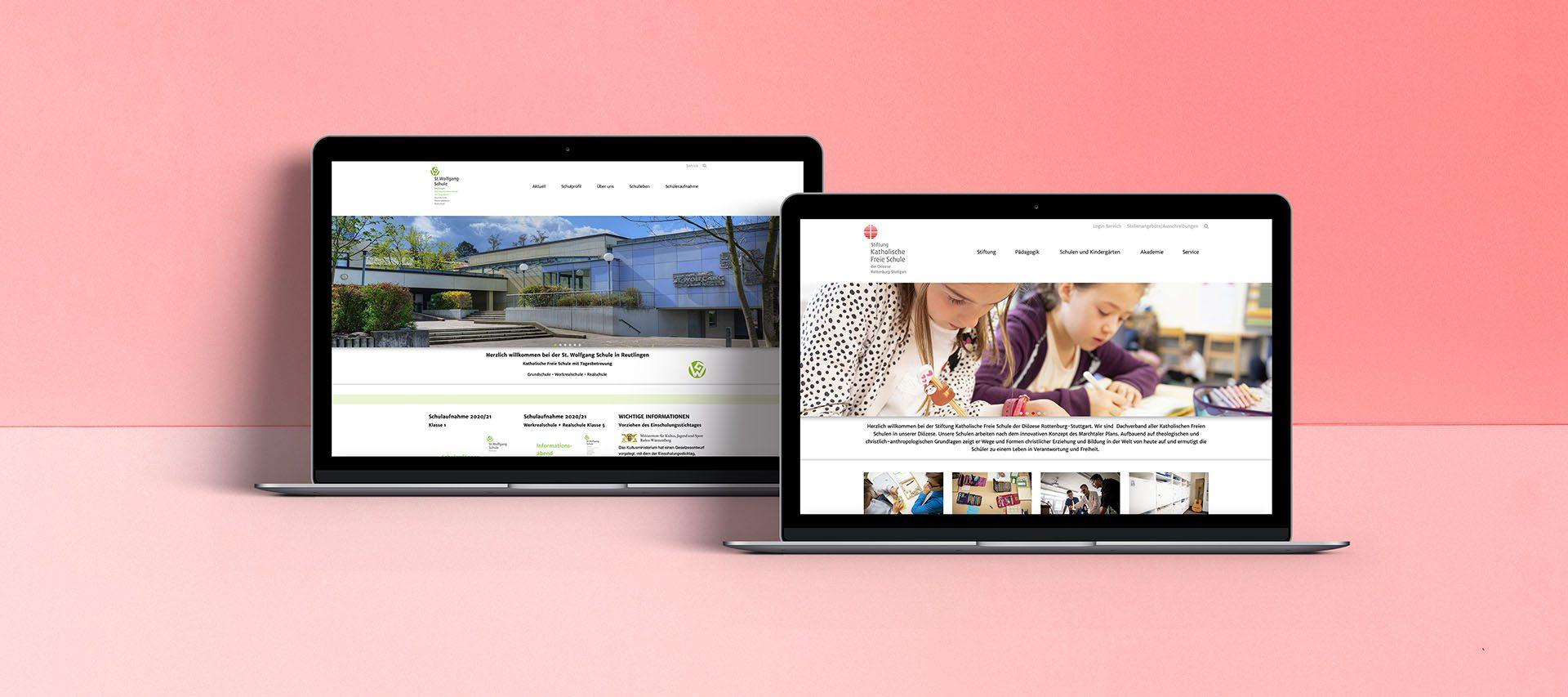 Zwei Bildschirme mit Beispielen des Gemeindebaukastens
