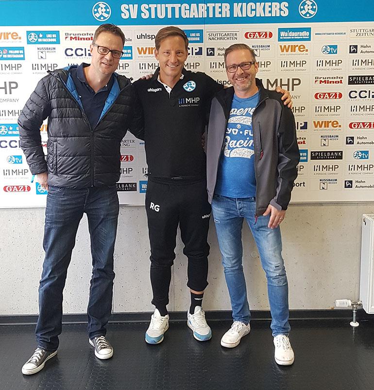 Andreas Held bei der Begrüßung durch die Stuttgarter Kickers.